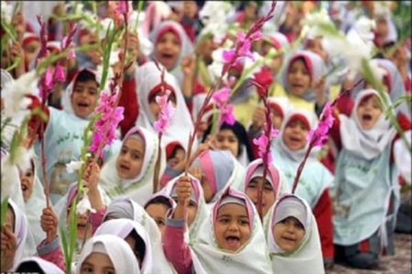 ۳۲ هزار دانش آموز کلاس اولی در گیلان به مدرسه میروند