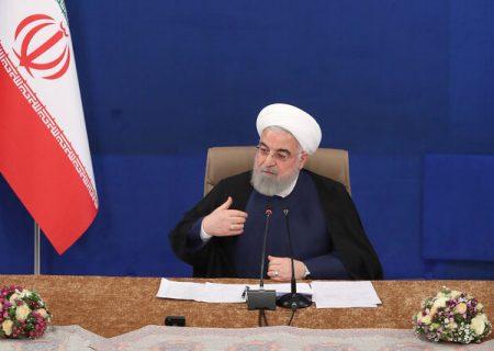 روحانی: امیدوارم با افتخار ماههای پرخطر پیش رو را از سر بگذرانیم