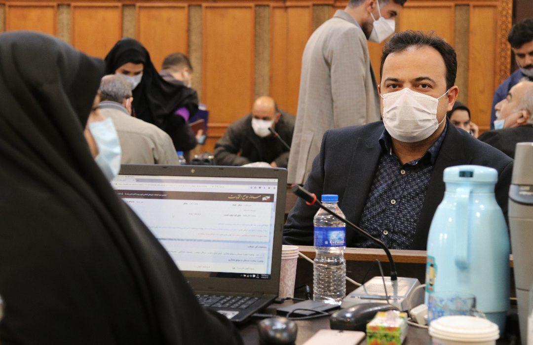 محمد آرتا مهر کاندیدای شورای اسلامی شهر رشت شد.