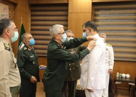 نصب درجه دریاداری فرمانده نیروی دریایی ارتش