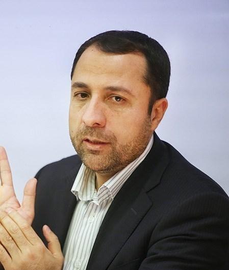 علی صالح آبادی رئیس کل بانک مرکزی شد.