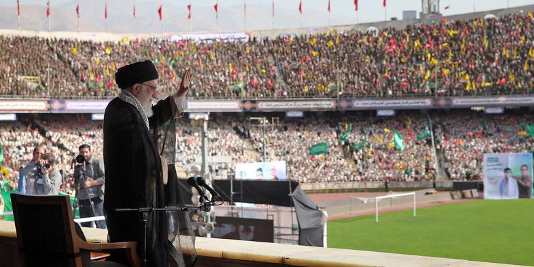 موقعیت کشور، موقعیت حساسی است| اول عظمت ایران، دوم اقتدار جمهوری اسلامی و سوم شکستناپذیری ملت ایران| عظمت ایران یک امر تاریخی است