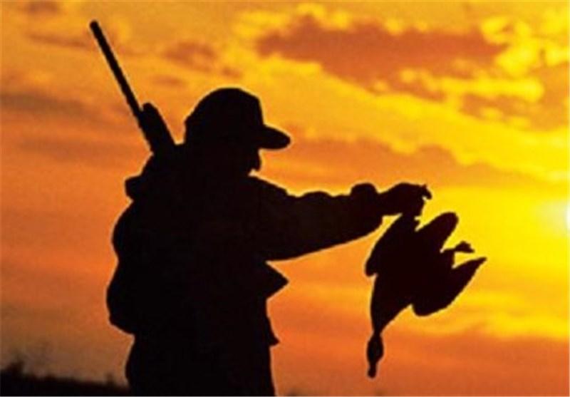شکارچیان متخلف از دریافت پروانه شکار محروم میشوند