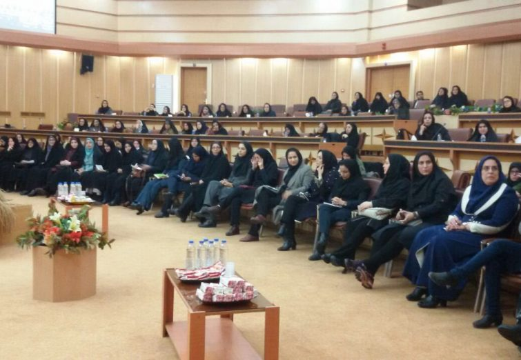 اولین جلسه مجمع مشورتی بانوان شوراهاى روستا و شهر در گیلان برگزار شد