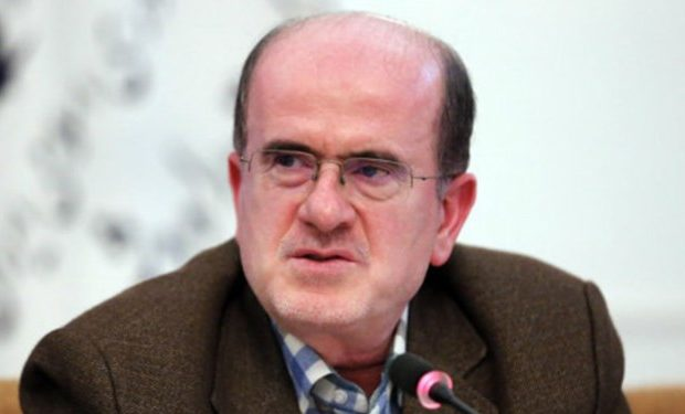 دشمن برای واداشتن مسئولان به افشای سیاستهای پنهان وزارت نفت تلاش میکند