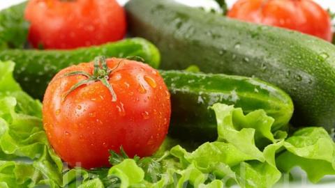 حفظ سلامت چشمها با مصرف میوهای خوشمزه/ هرگز خیار و گوجه را همزمان نخورید/ با معجونی شگفت انگیز دندانهایتان را مثل برف سفید کنید