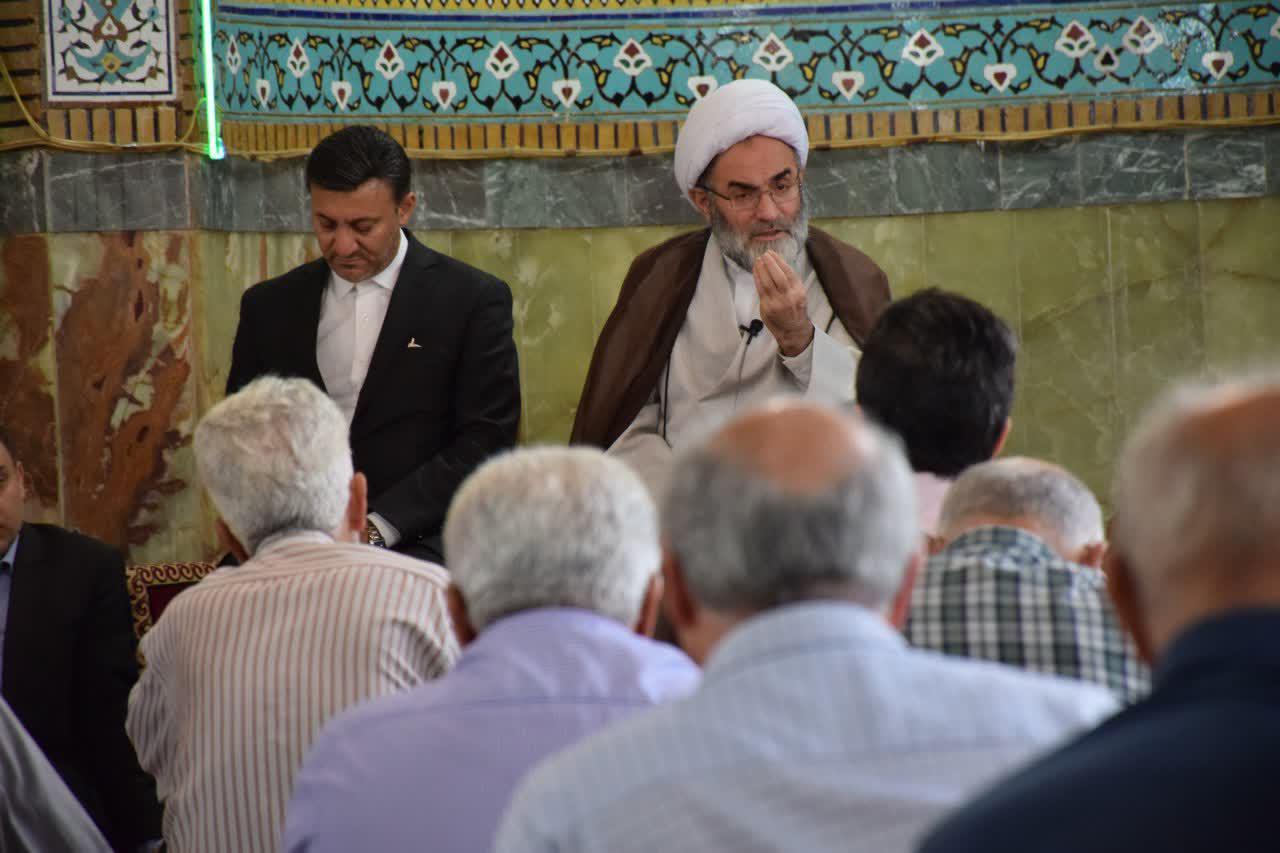 نماینده ولیفقیه در گیلان خواستار برخورد با رانتخواری در شهرداری رشت شد