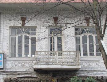 شکایت مالکان هتل فردوسی رشت برای خروج از فهرست آثار ملی