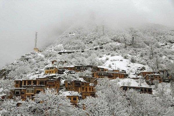 چتر سفید برف بر کوهستان ها/فیلم