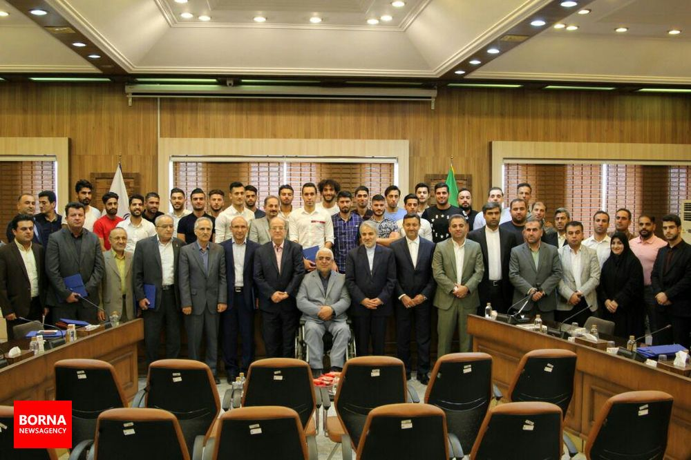 گزارش تصویری مراسم تقدیر و تجلیل دکتر نوبخت از اعضای تیم فوتبال داماش گیلان