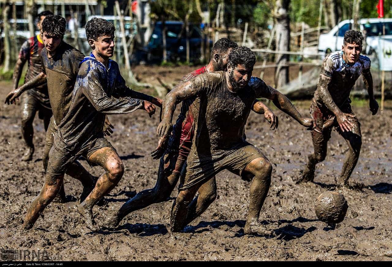 عکس فوتبال بومی (فوتچَل) گیلان