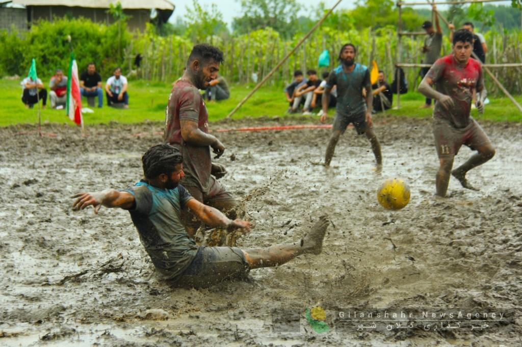 گزارش تصویری مسابقه فوتچل در آستانه اشرفیه