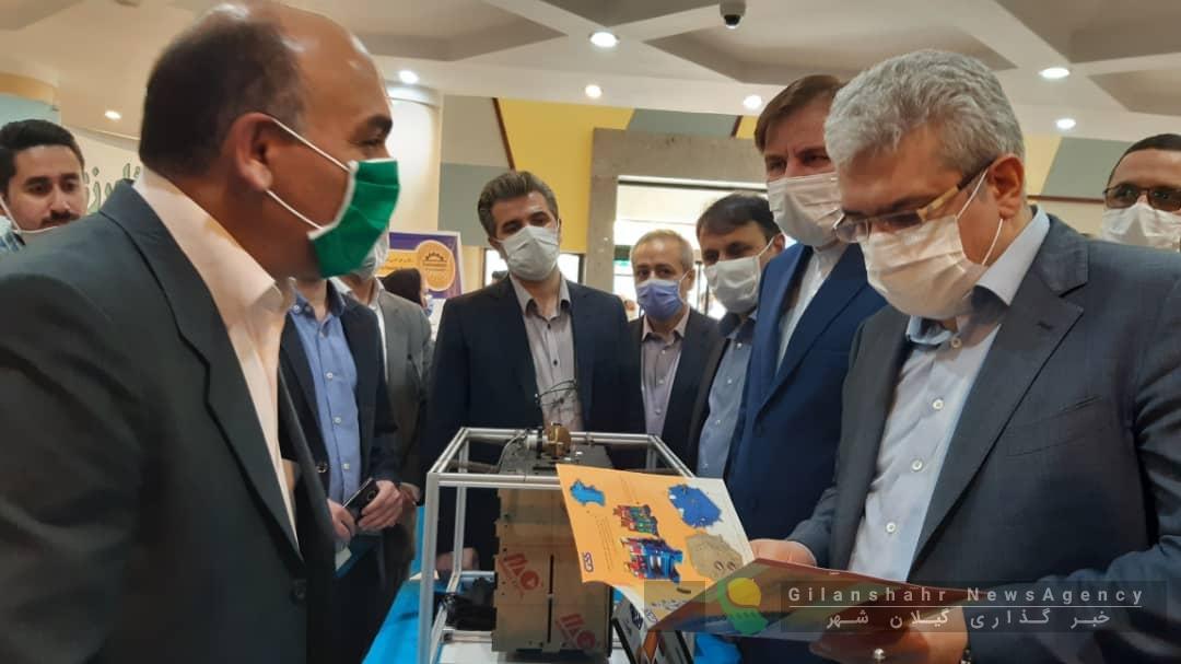 بازدید معاون رئیس جمهوری و استاندار از نمایشگاه دستاوردها و محصولات فناورانه دانشگاه گیلان