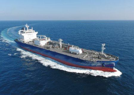 ایران یک کشتی کره جنوبی را توقیف کرد / منابع مطلع: علت توقیف ایجاد آلودگی زیست محیطی و شیمیایی است